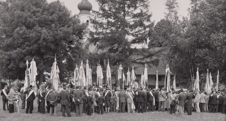 Fahnenweihe TB Kirchasch 1954 (9)